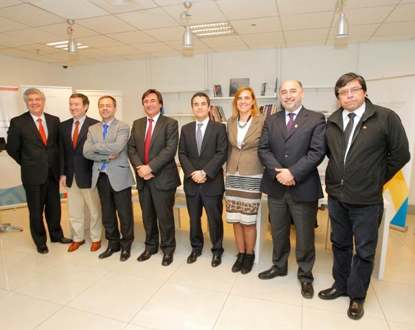 ACCIÓN y Municipalidad de Canela firman Convenio Colaborativo Educacional