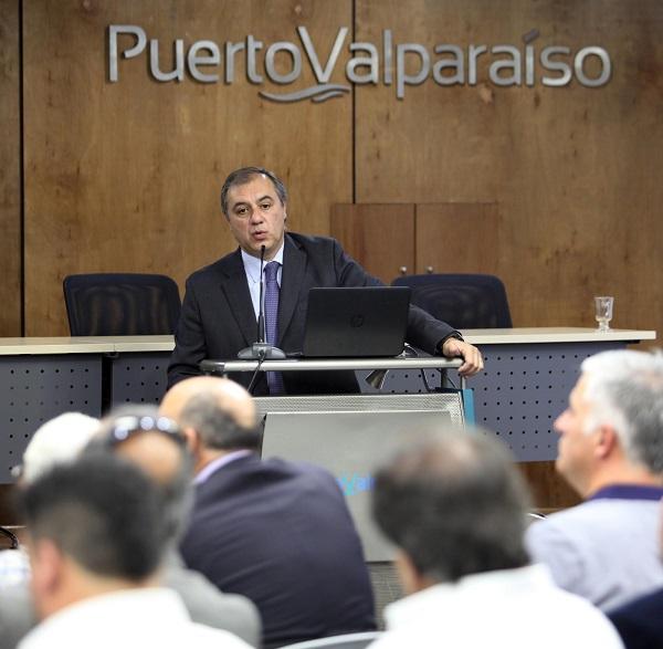 Presidentes, ejecutivos y trabajadores reflexionaron sobre desafíos actuales de empresas portuarias