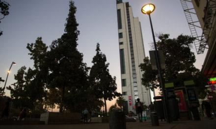 Edificio Movistar apagará sus luces durante la Hora del Planeta 2019