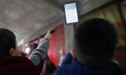 Digitalización en los colegios eleva la asistencia a clases de los estudiantes