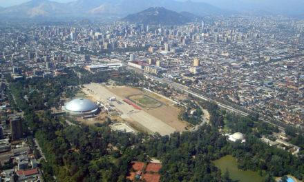 Arquitecto de la U. de Santiago plantea claves para mejorar estado de los parques urbanos de la capital