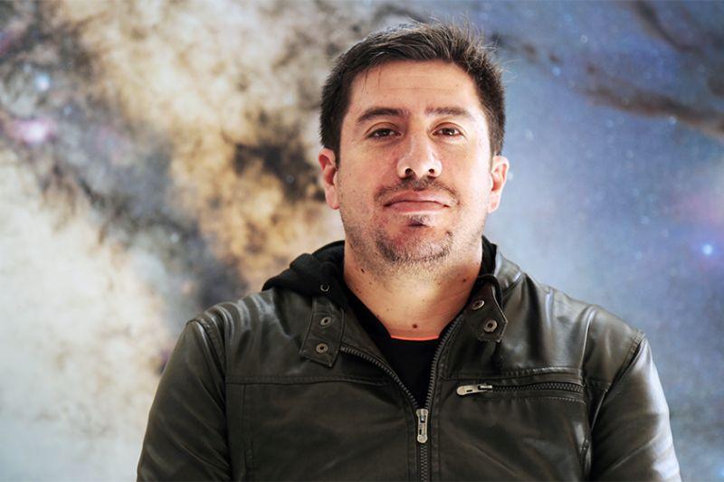 Astrónomo chileno participa en hallazgo de exoplaneta 41 veces mas grande que la tierra