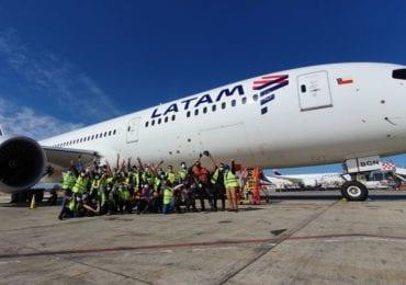 Avión Solidario de LATAM ha transportado más de 680 toneladas de insumos médicos y más de 400 profesionales de la salud en la región